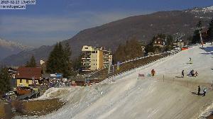 WebCam showing current Snow conditions in Sauze d'Oulx, ©www.vitton.it