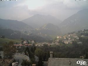 WebCam showing current Snow conditions in Zambla, ©www.oltreilcolle.com