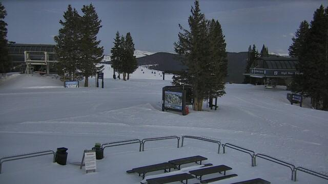 WebCam showing current Snow conditions in Vail